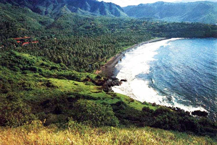 Baie de Atuona, à Hiva Oa en 1976