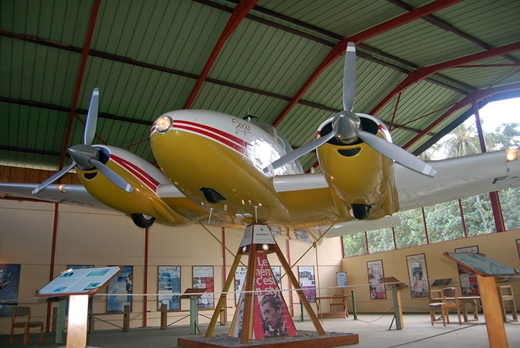 Avion de Jacques Brel au musée d'Atuona, Hiva Oa. Photo Purutaa
