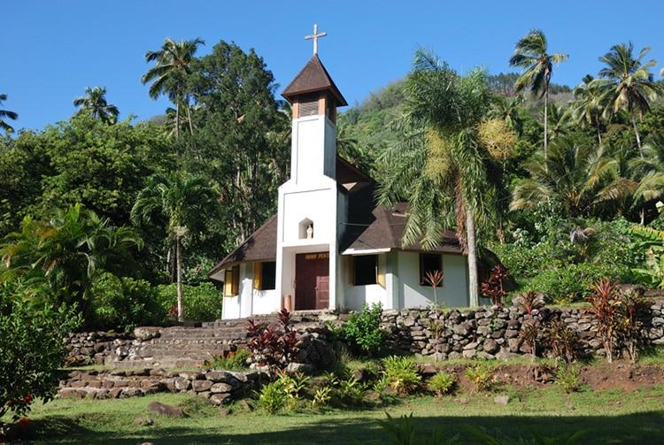 Eglise de Hanaipa, à Hiva Oa. Photo denisepierre