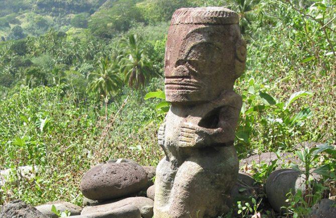 Tiki Moene, vallée de Hanapaoa, Hiva oa.