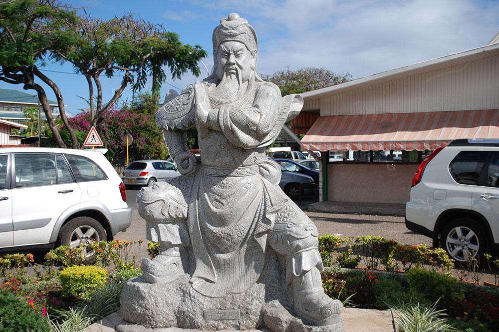 Statue de Kanti sans son épée en septembre 2008, Tahiti © Tahiti Heritage