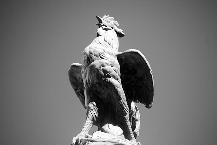 Le coq gaulois du monument aux morts pour la France de Papeete © Tahiti Heritage