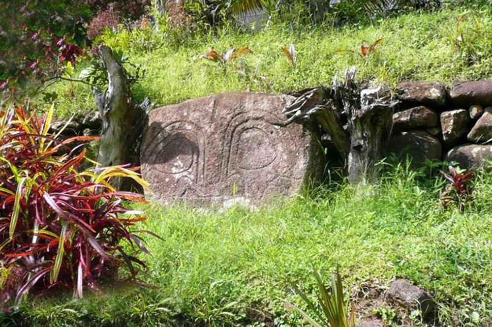 Motif de tiki à Hanaiapa, Hiva Oa, Marquises Photo Jean Sancourt