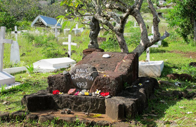 Tombe de Paul Gauguin, cimetière d'Atuona, Hiva Oa. Photo Elsa Fernicle