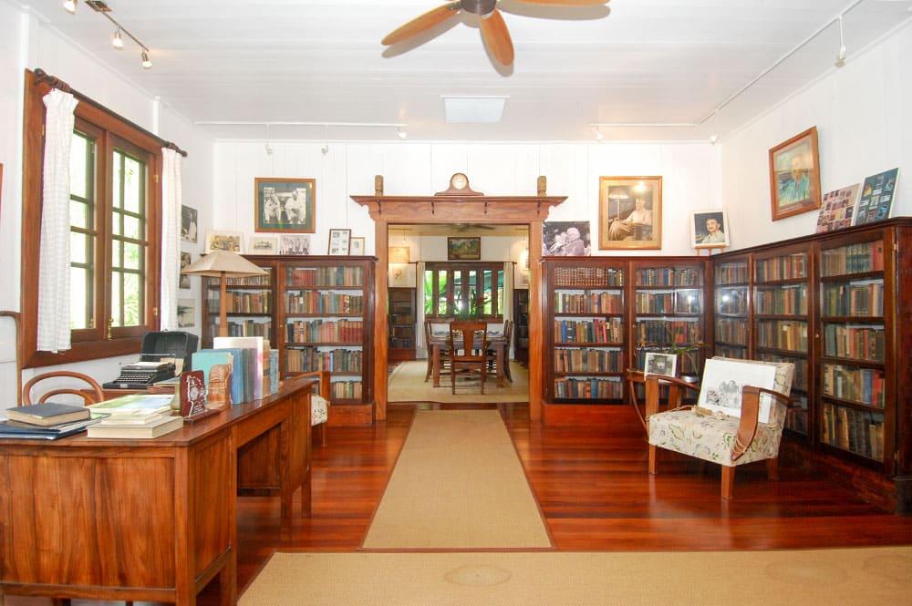 Bureau de la maison de Norman Hall, à Arue Tahiti.