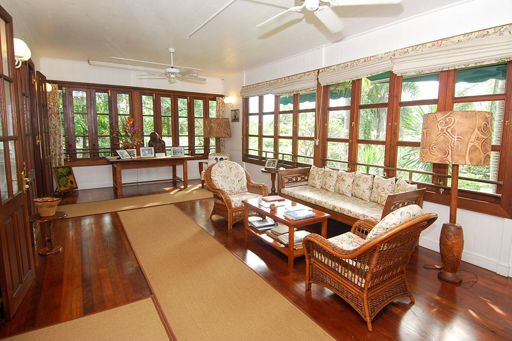 Veranda de la maison de Norman Hall, à Arue Tahiti.