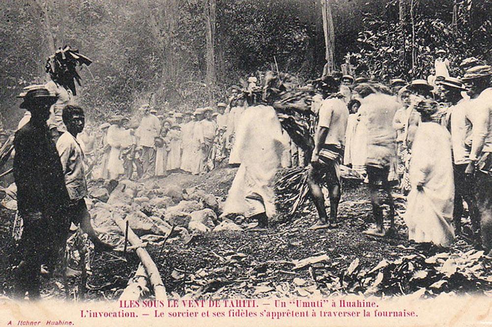 La marche sur le feu, Umu ti, à Huahine. Photo Itchner