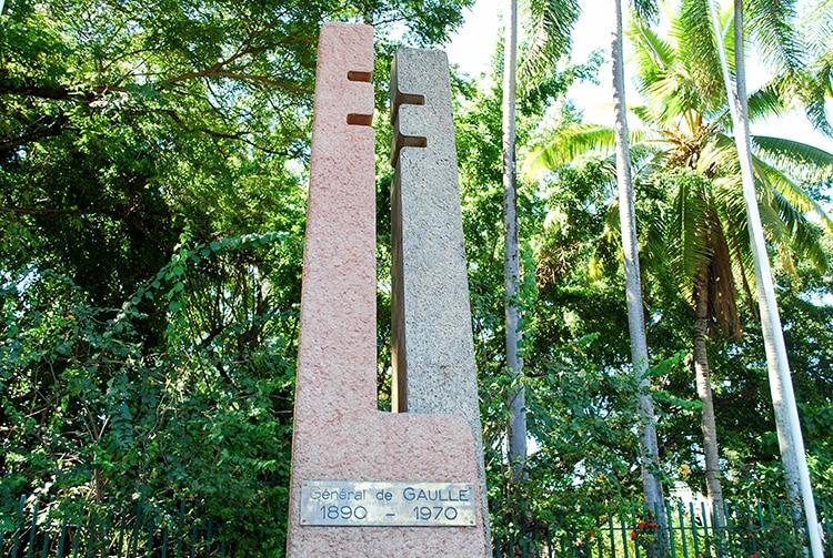 """Monument Charles de Gaulle, dit """"la clé à molette"""" à Papeete, Tahiti. © Tahiti Heritage"""