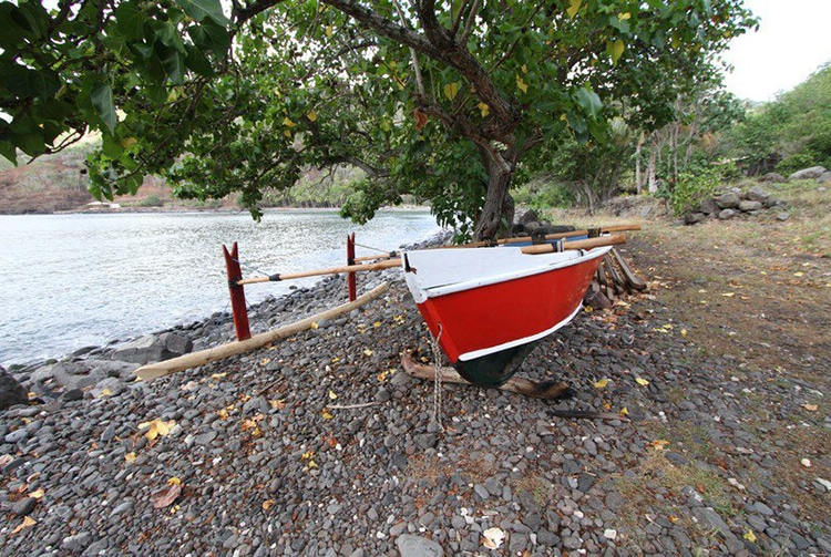 Bord de mer de Hanaiapa à Hiva Oa. Photo Bruno Lupan