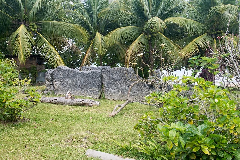 Tombeau du marae Farerua de Bora Bora © Tahiti Heritage