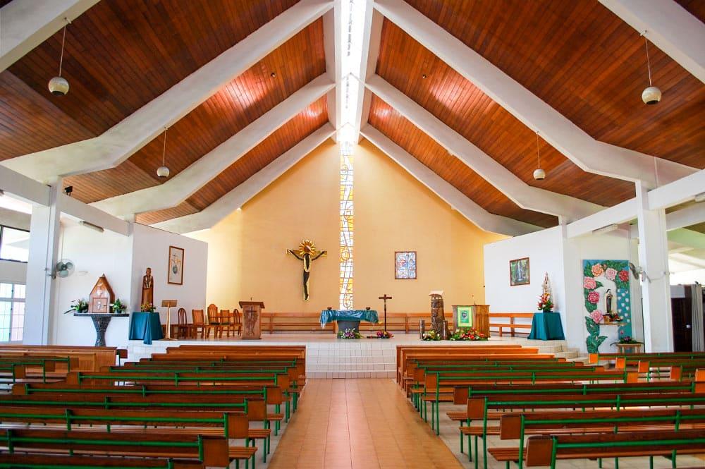 Eglise Sainte Trinité de Pirae en 2006