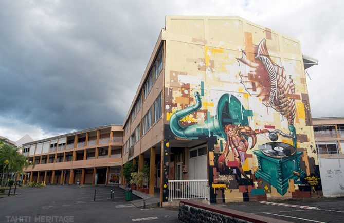 Street Art, le gramophone d'Anne-Marie Javouhey. Photo Tahiti Heritage 2014