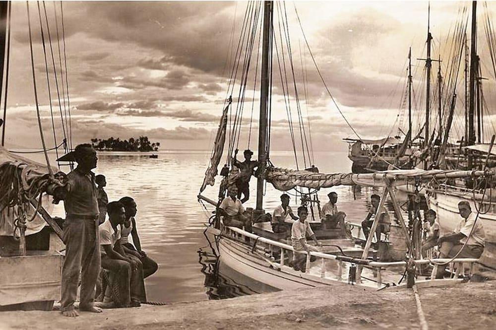 Quai des goélettes de Papeete avec le petit îlot de Motu Uta en 1940