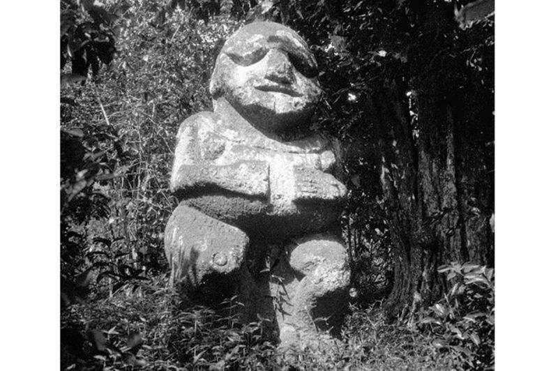 Tiki Moana à Raivavae en 1933. Photo Pierre Verger