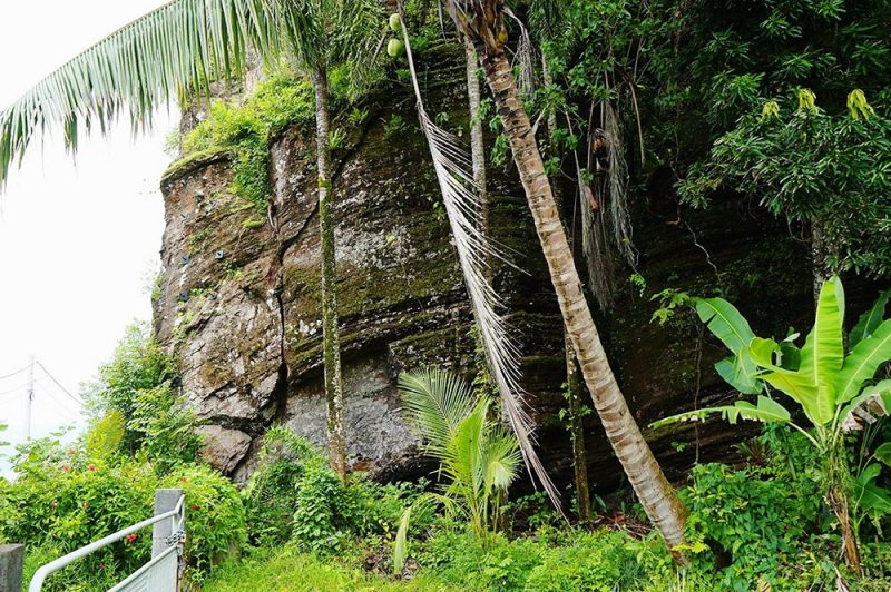 Grotte de Maui à Vairao, Tahiti iti