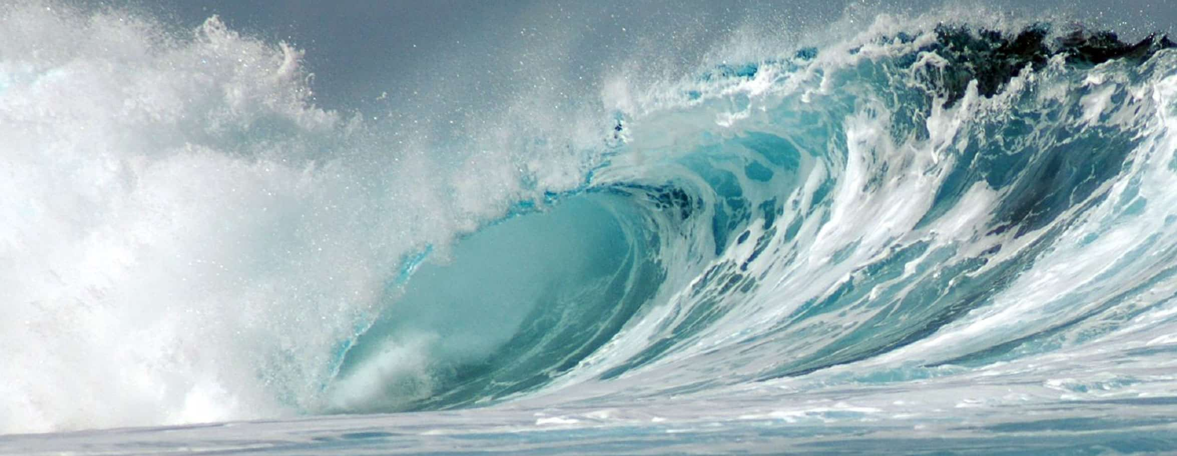 Vague de Teahupoo. Photo Pierre Lesage
