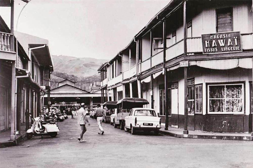 Coin de la rue Gauguin et de la rue du marché à Papeete en 1965