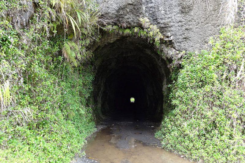 Entrée du tunnel de la Papenoo,coté Papenoo. Photo Brice Neham
