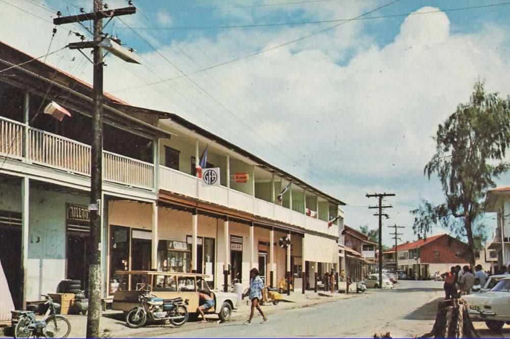 La rue principale d'Uturoa en 1970