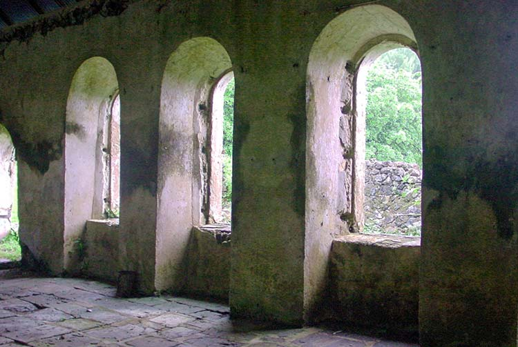 Intérieur de la chapelle St Agathe du couvent de Rouru