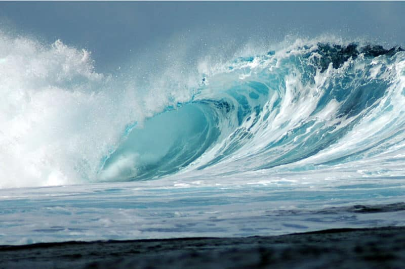 Vague mystique de Teahupoo, Tahiti Photo Pierre Lesage