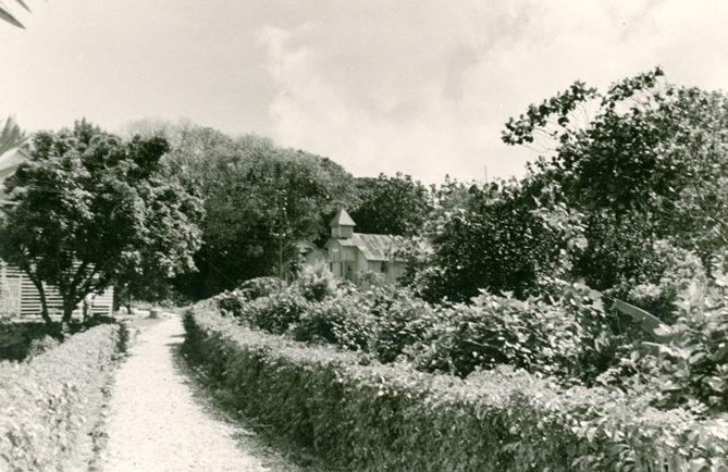 Le temple protestant de Makatea en 1958