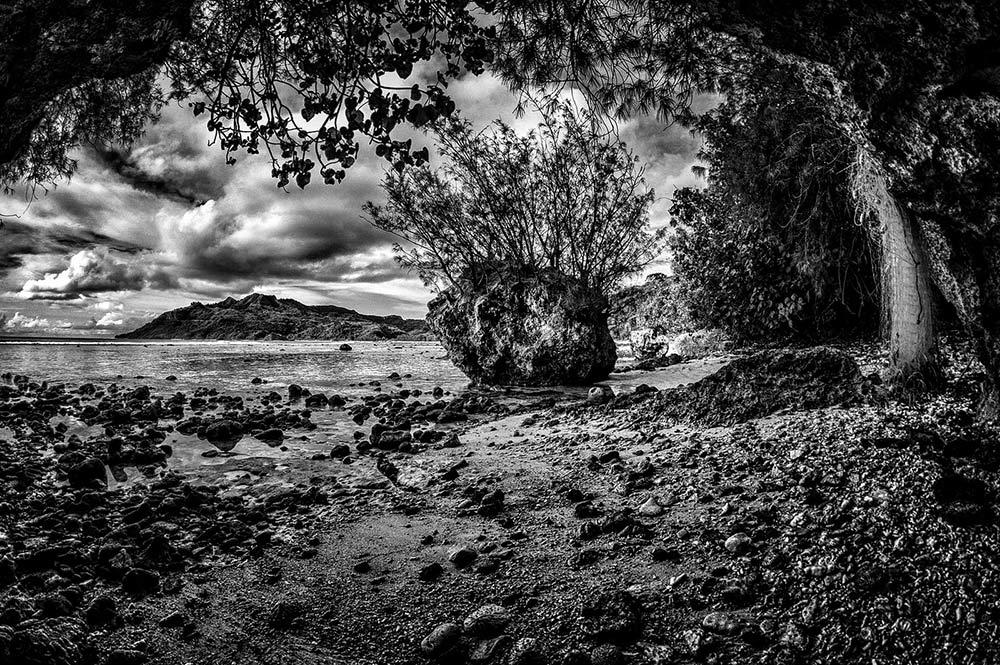 Baie d'Avera à Rurutu. Photo Maurice Huchon