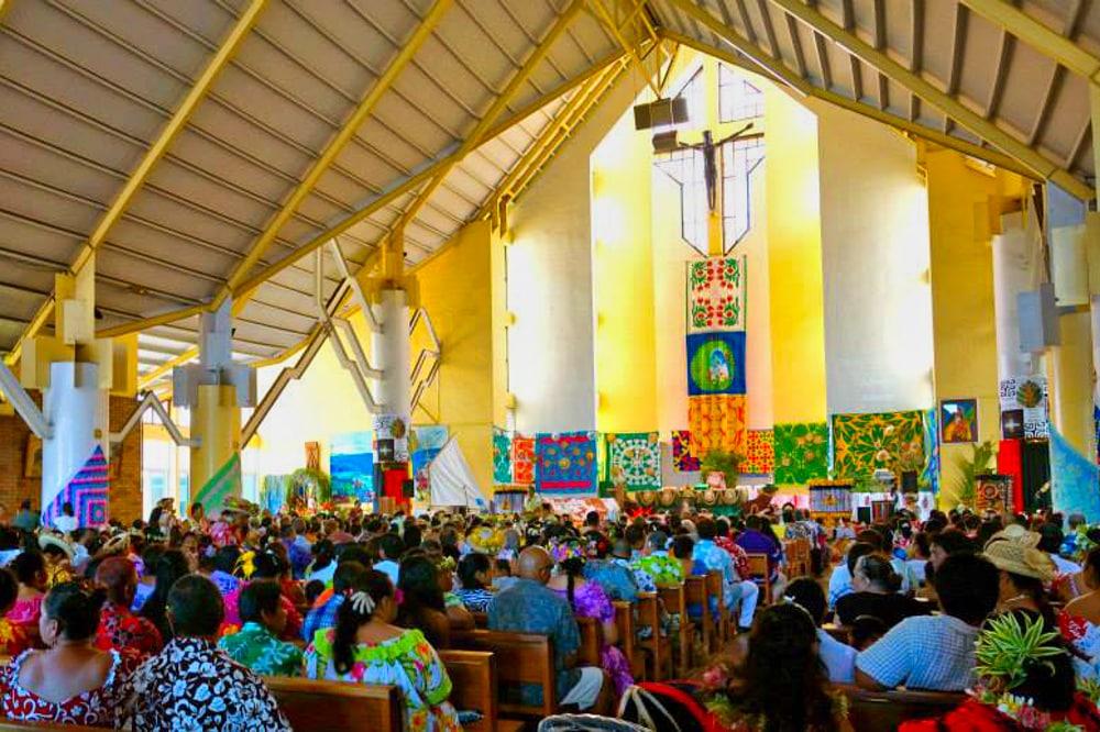 Intérieur de l'église Saint-Joseph de Faa'a, Tahiti. Photo paroisse Saint-Joseph