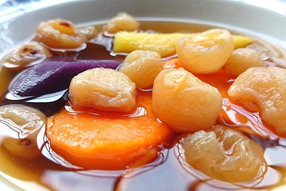 Longane et patate douce dans un sirop de gingembre